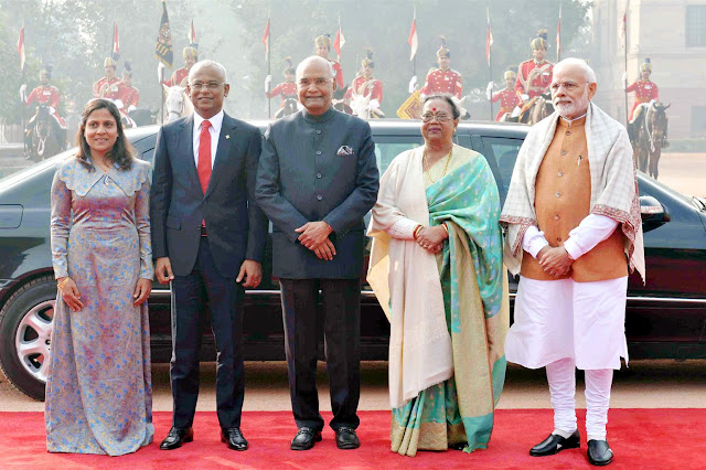 Image Attribute: The Indian President Ram Nath Kovind and the Prime Minister Narendra Modi with the President of Maldives, Ibrahim Mohamed Solih, during the Ceremonial Reception, at Rashtrapati Bhavan, in New Delhi. December 17, 2018 / Source:  Press Information Bureau