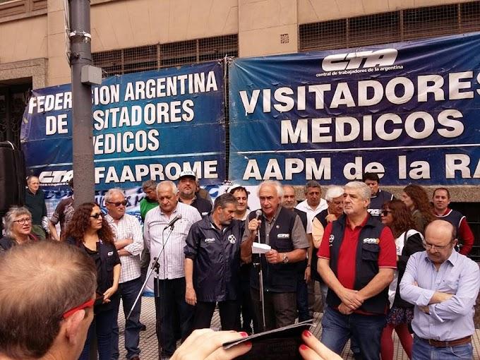 Masiva movilización de visitadores médicos al ministerio de trabajo
