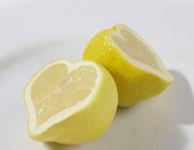 Akne ve Sivilceler için Limon