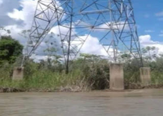 MP: Cae  torre de ENDE por intenso caudal del río Mamoré