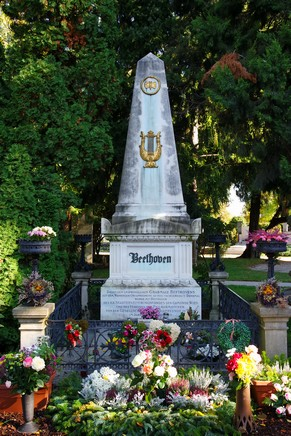 vienne cimetière central zentralfriedhof tombe beethoven