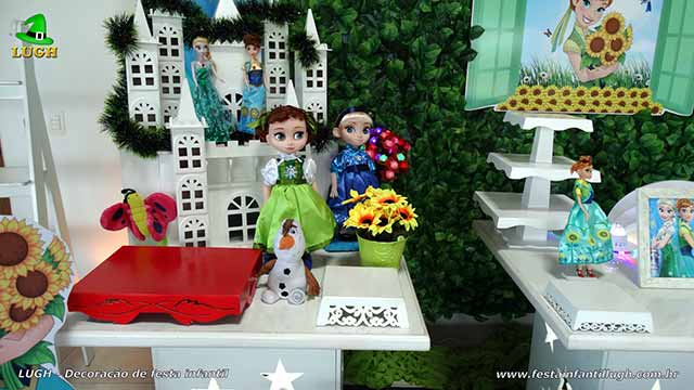Mesa decorada Frozen - Aniversário da Anna - Febre Congelante