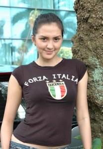 Foto Presenter Olahraga Cantik Donna Agnesia