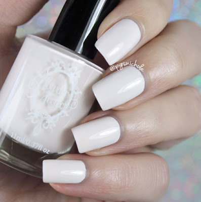 Powder Perfect Turtledoves | The Palace Collection