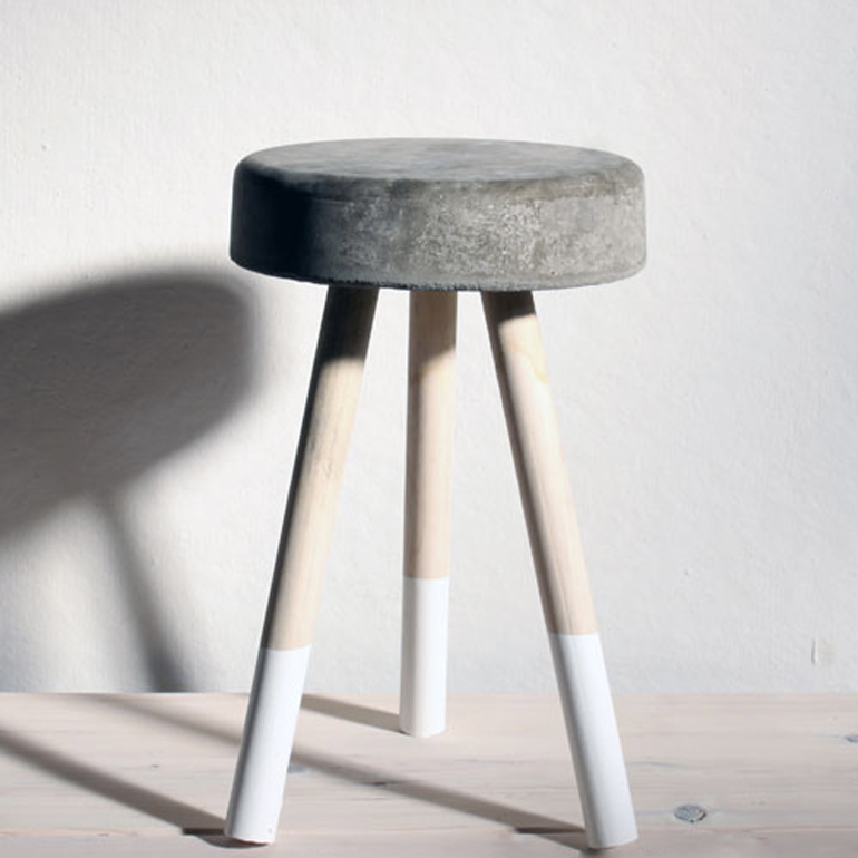 taburete de cemento