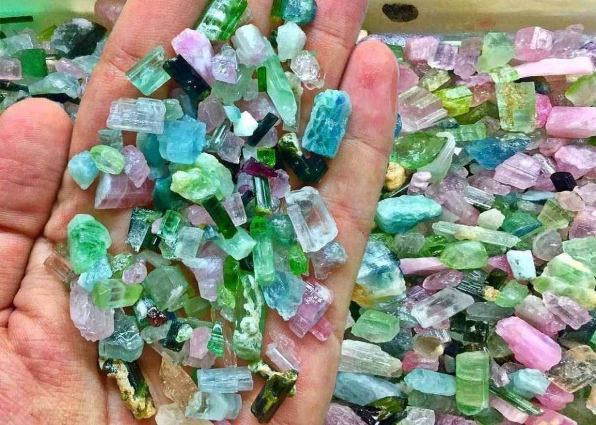 North Carolina: Places Where Can You Go to Dig for Gemstones in NC
