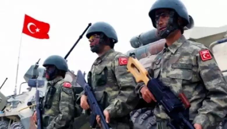 Τούρκοι στρατιώτες με καταδρομική ενέργεια τοποθέτησαν τουρκική σημαία σε ελληνική νησίδα στον Έβρο! (φωτό)