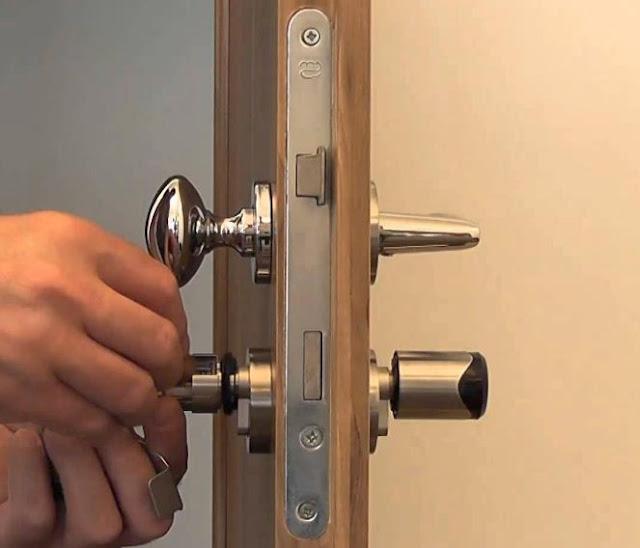 Dịch vụ sửa khóa, gắp chìa khóa bị gãy ở ổ khóa và làm lại chìa khóa