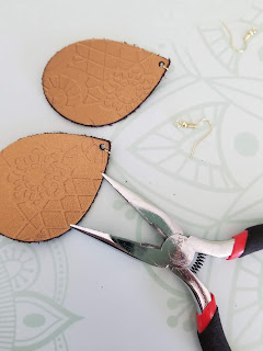 diy leather embossed earrings