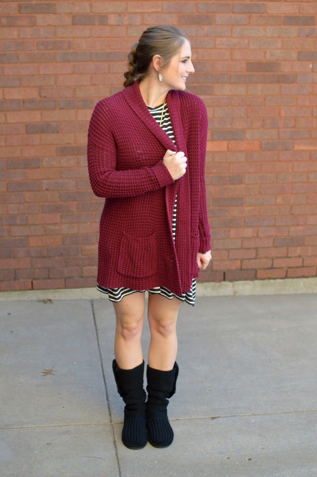 what to wear with black knit boots