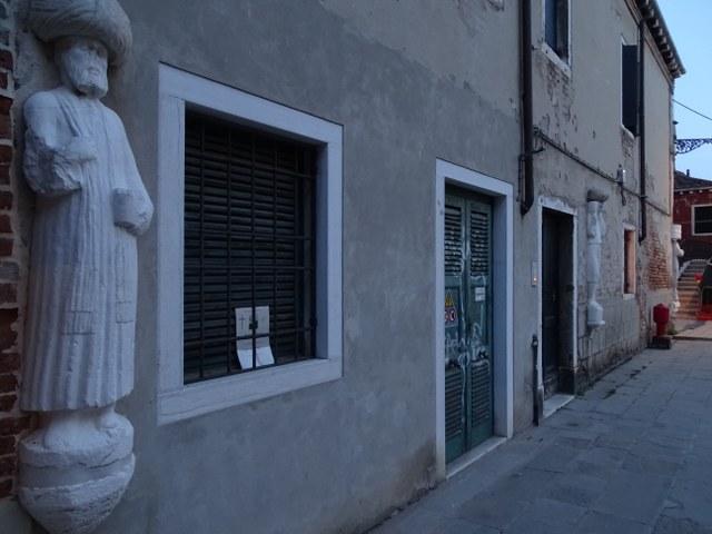 estatuas Mastelli campo dei Mori venecia leyenda piedra