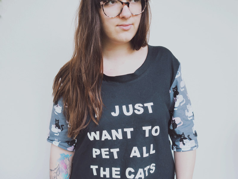 """KuneCoco • #naehdirwas April • Shirt """"I just want to pet all the cats"""""""