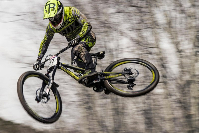 2016 Lourdes UCI World Cup Downhill: Practice Highlights