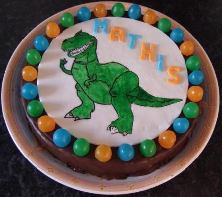 http://lesrecettesdemelanie.blogspot.fr/2011/10/gateau-rex-de-toy-story.html
