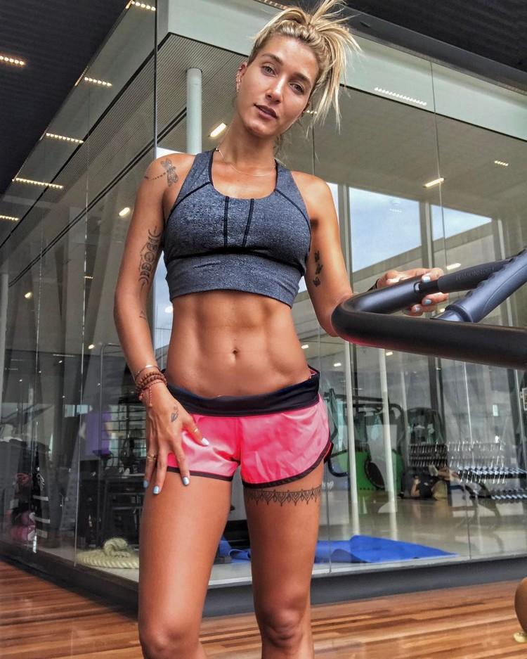 Brazilian Gabriela Pugliesi fitness model