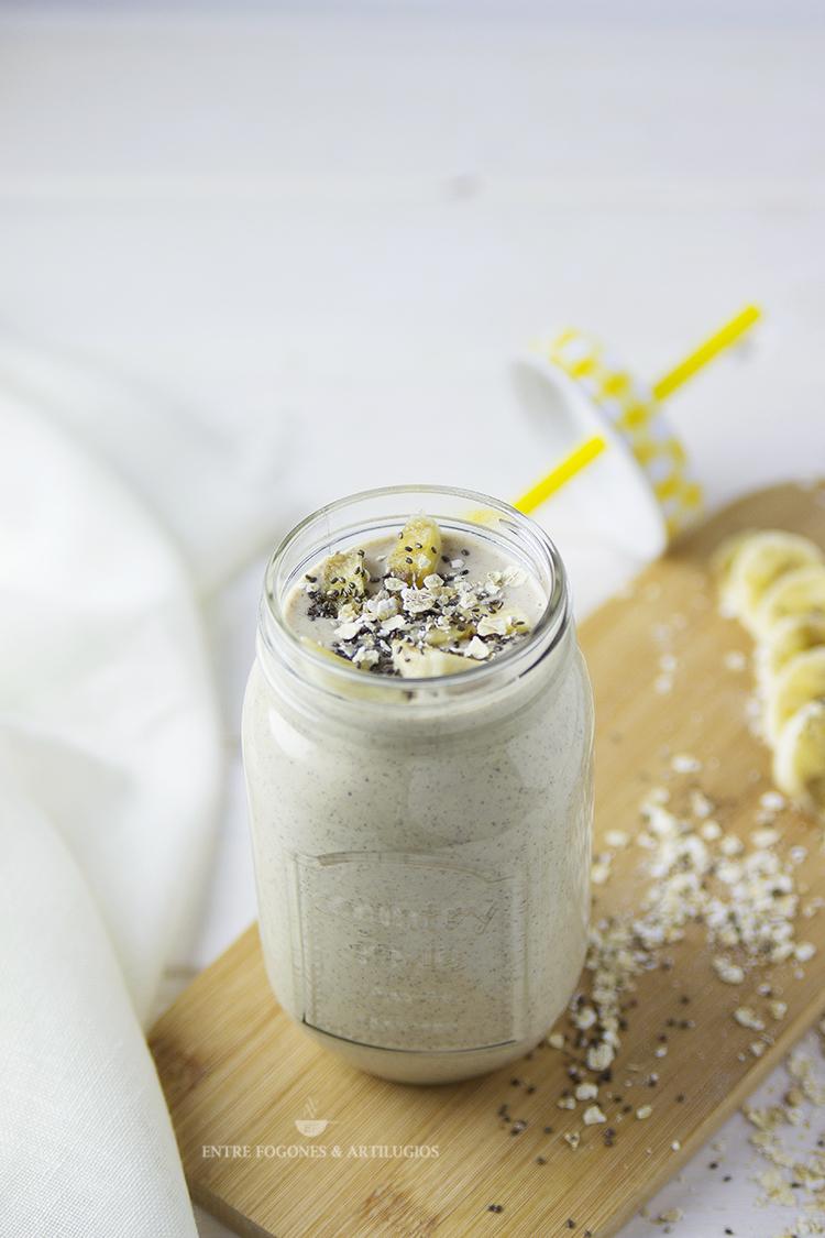 smoothie de avena, plátano y mantequilla de cacahuete
