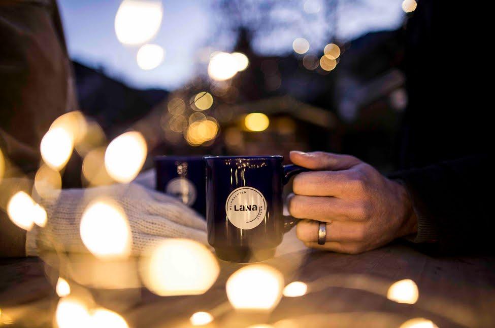 Mercatino di Natale a Lana (Alto Adige) tra gastronomia tradizione e artigianato