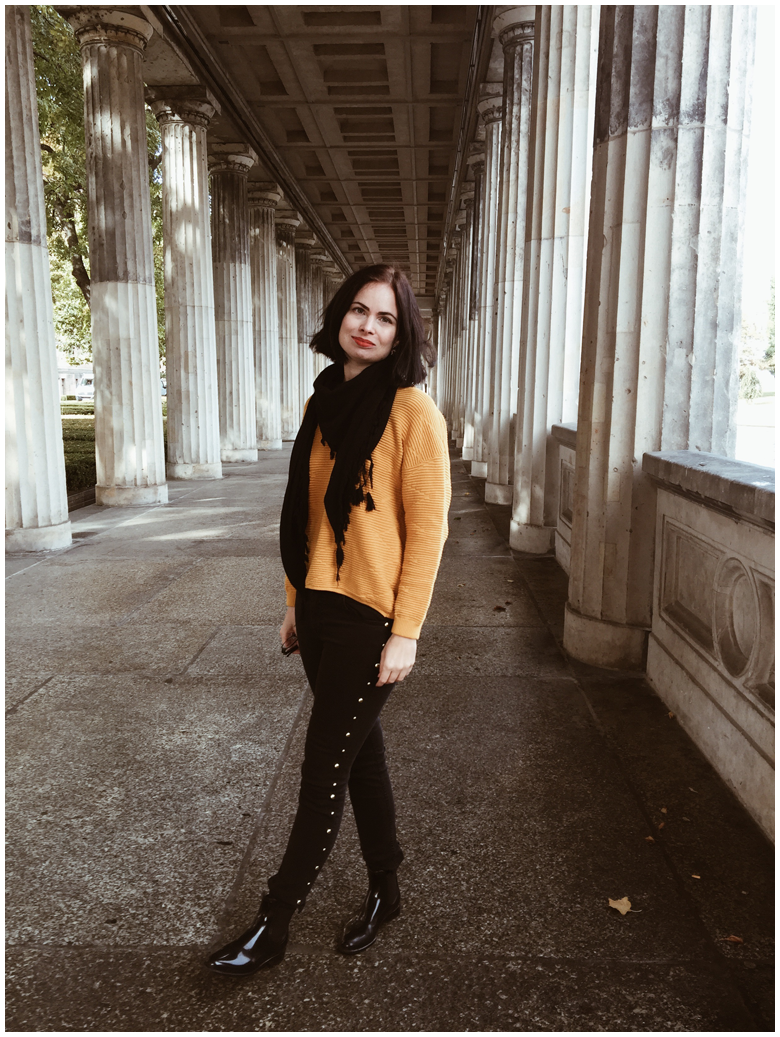 BERLIN - MUSEUM ISLAND | June Gold wearing a yellow H&M jumper, dark grey H&M jeans & black Lemon Jelly Chelsea Boots