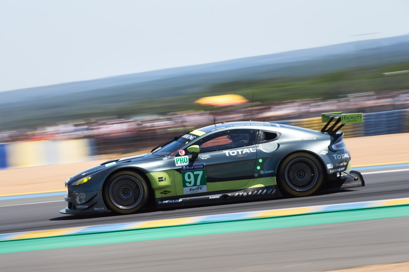 aston martin wins le mans. Black Bedroom Furniture Sets. Home Design Ideas