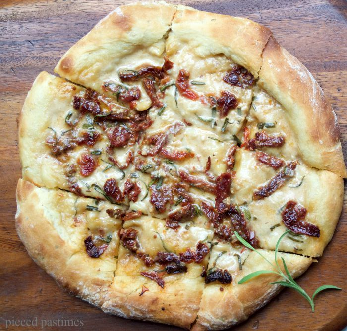 Vegan-White-Pizza-with-Garlic-Coconut-Sauce-and-Sundried-Tomatoes