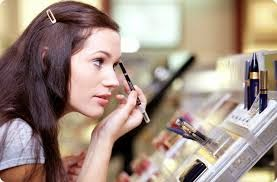Flawless Make-up Untuk Wanita Yang Aktif