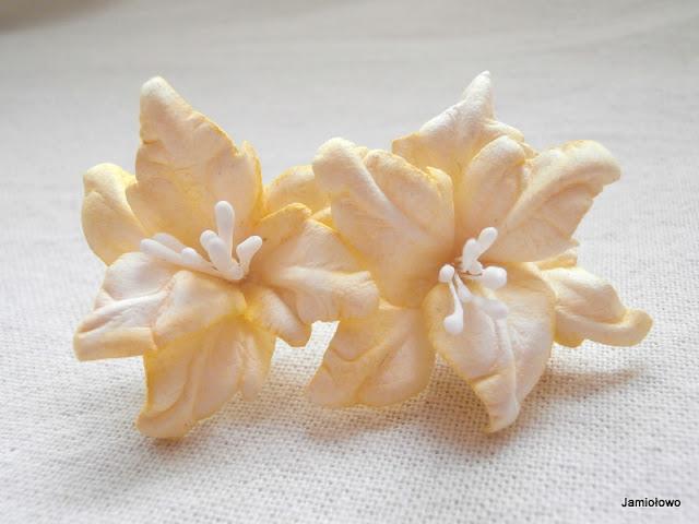 kwiaty z papieru akwarelowego