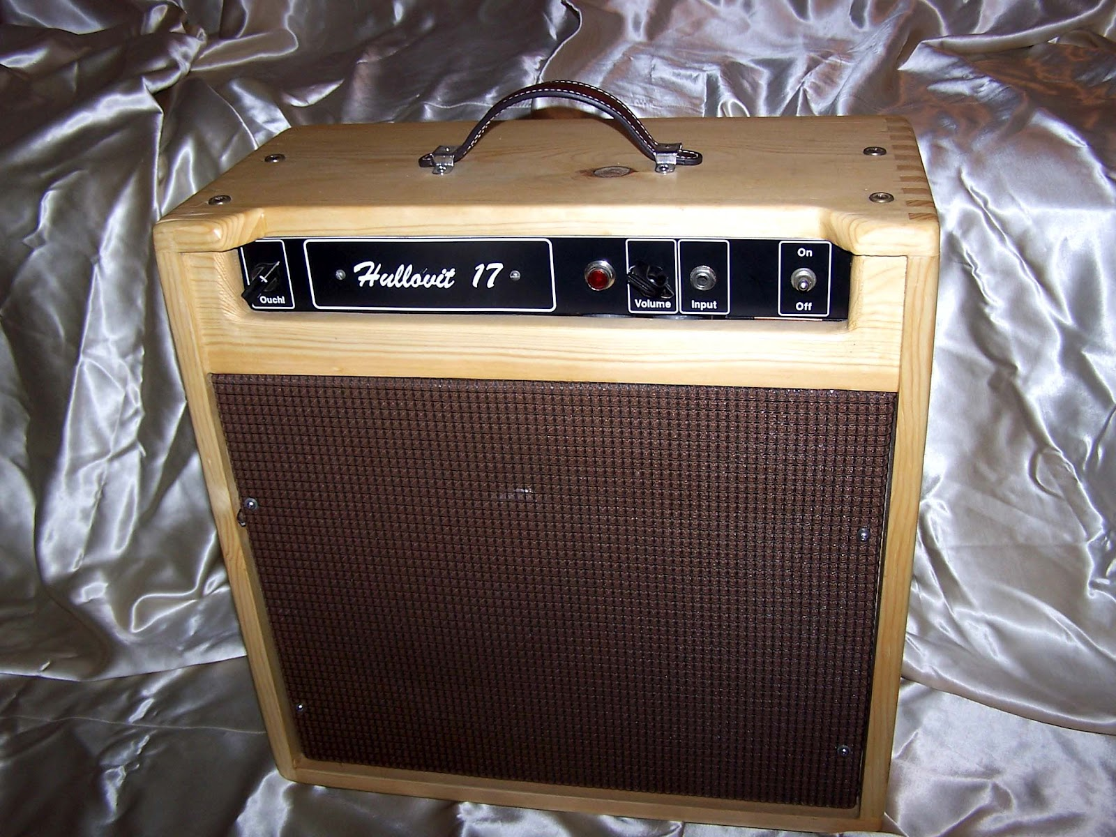 hull amps custom tube guitar amps. Black Bedroom Furniture Sets. Home Design Ideas