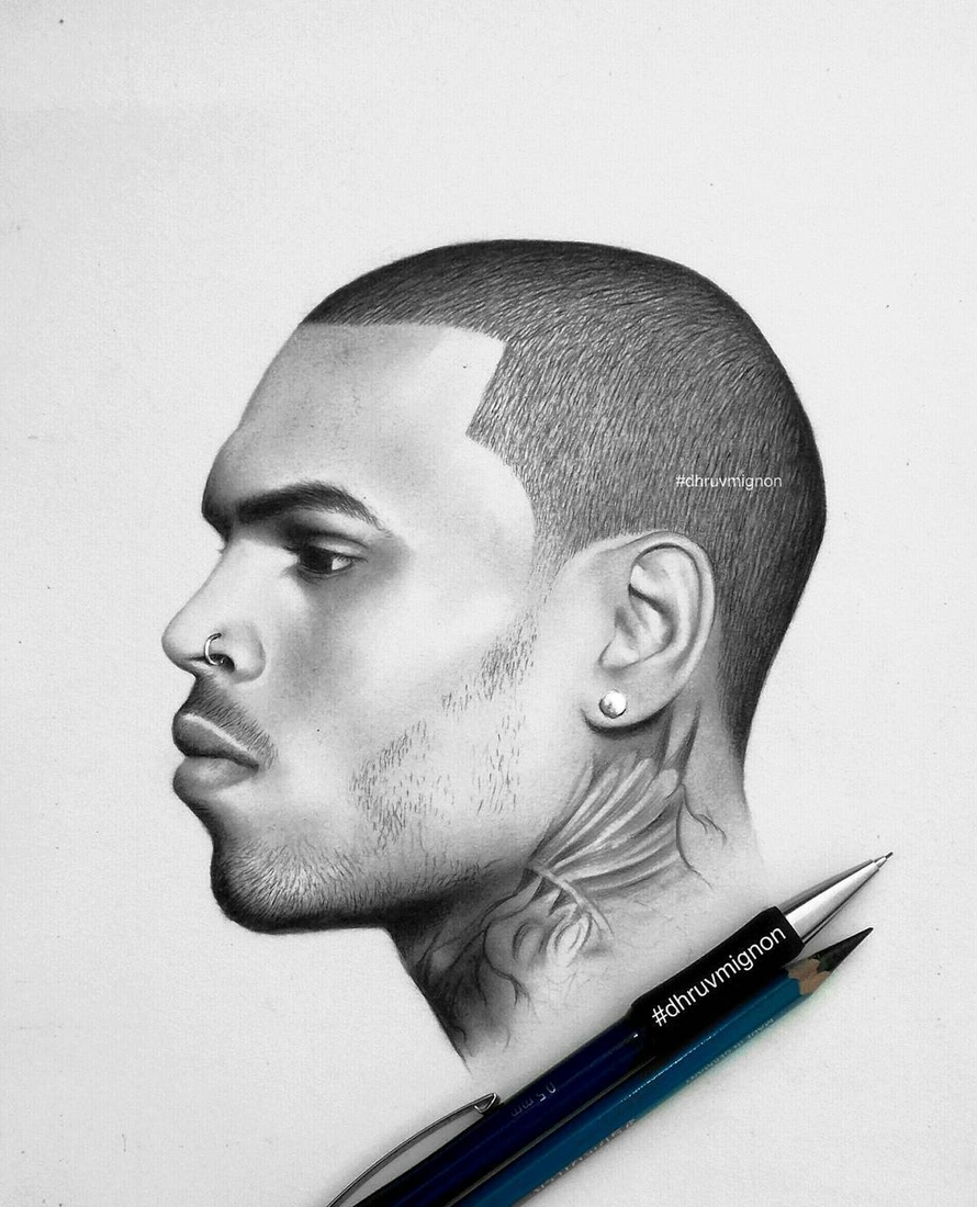 04-Chris-Brown-dhruvmignon-Celebrity-Miniature-Black-and-White-Pencil-Portraits-www-designstack-co
