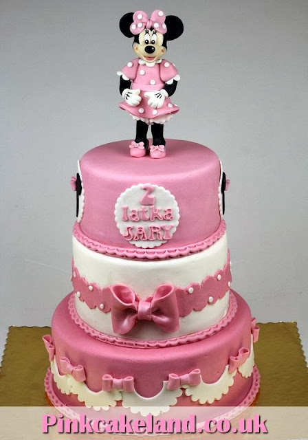 Minnie Mouse Cake in London