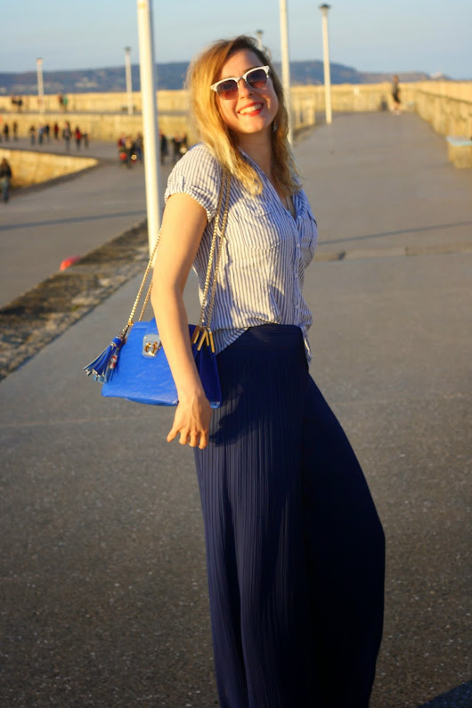 Chiffon trousers blue as the sea...