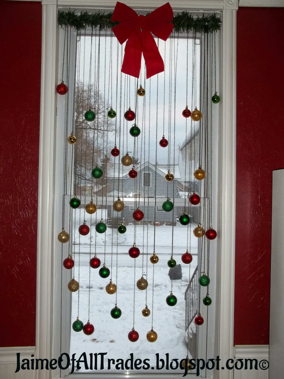 Jaime of All Trades: DIY Christmas Window Decorations