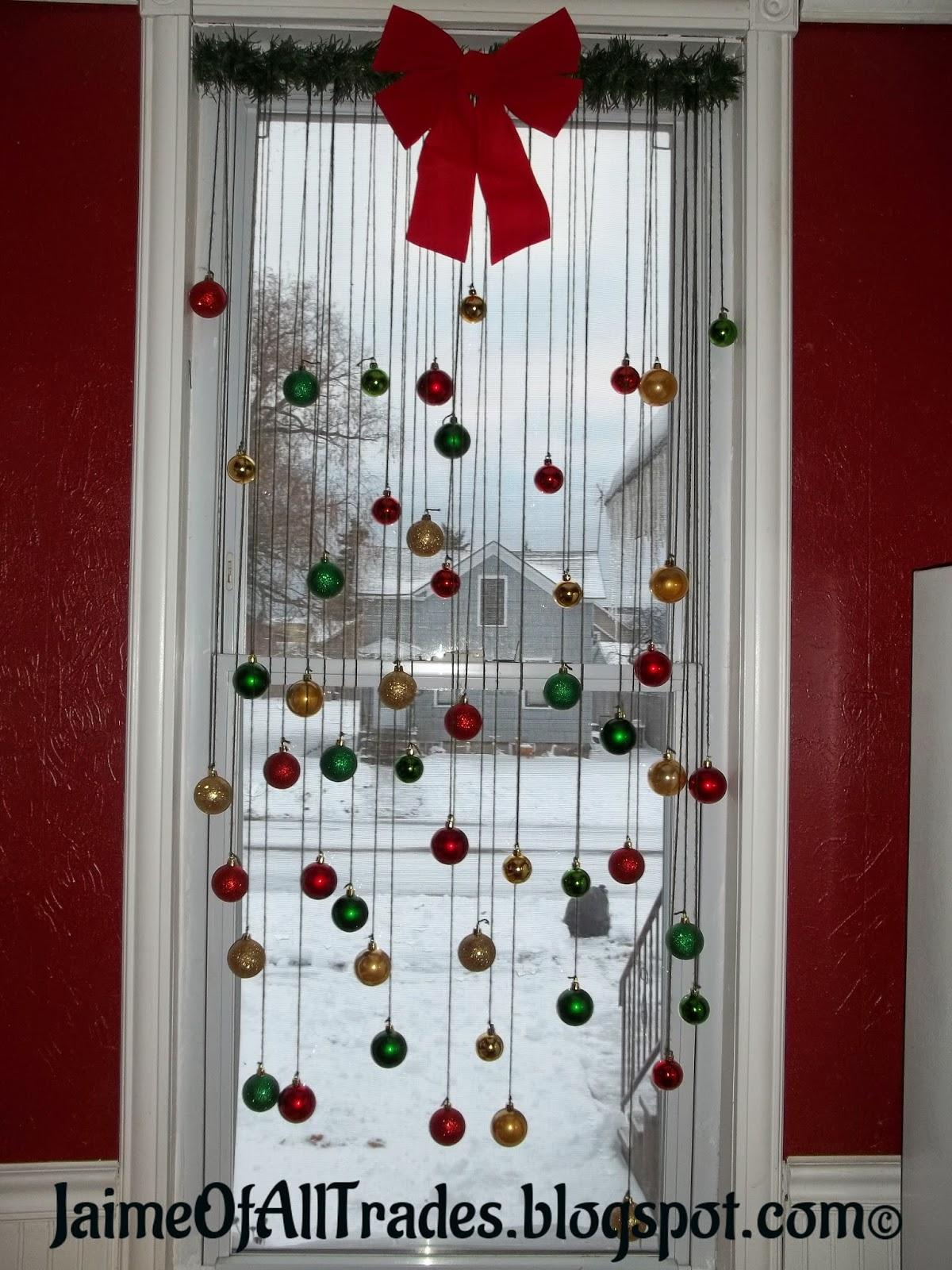 Jaime of All Trades: DIY Christmas Window Decorations