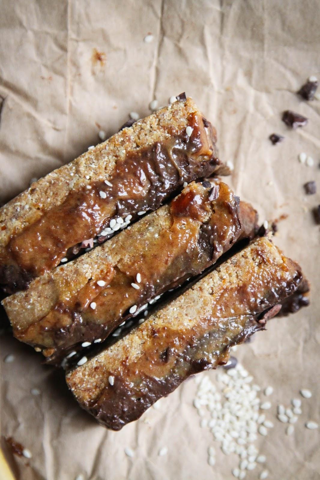 This Rawsome Vegan Life Gooey Caramel Chocolate Bars With