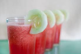 Cara Cara Diet Alami Dengan Rutin Minum Air Semangka dan Timun