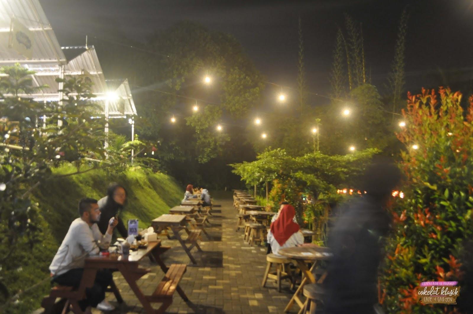 Dream Big Tempat Asik Di Malang Cokelat Klasik Cafe Garden Grapari Halo 12 Bulan Bagian Bawah Tapi Ada Yg Dibawah Lagi Masihan