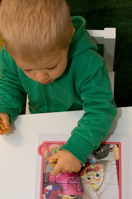 bajka Masza i niedźwiedź oraz puzzle