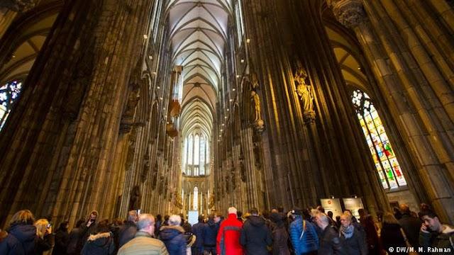 Πλούσιες οι εκκλησίες στη Γερμανία - Πάνω από 10 δις ευρώ ετησίως ο... εκκλησιαστικός φόρος