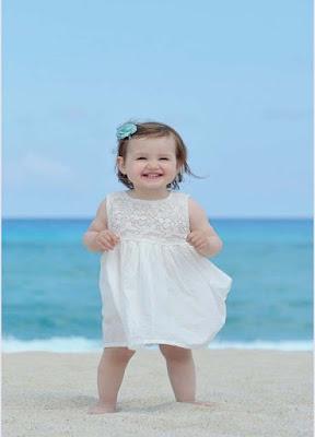 beyaz baby-girl-in-beyaz-frock