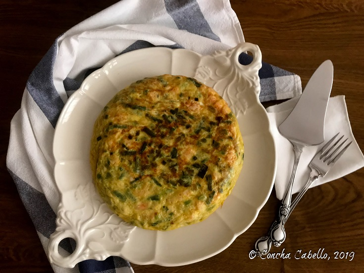 tortilla-espárragos-mesa