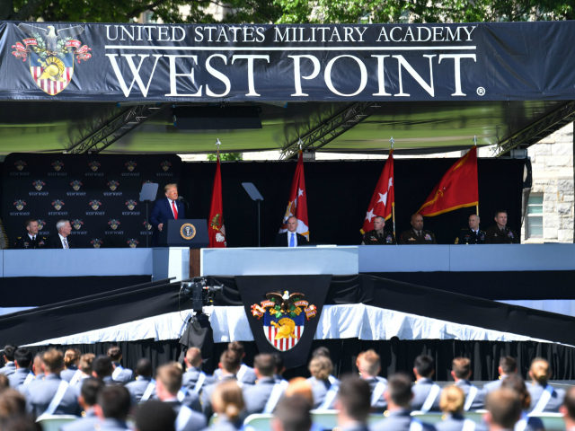Donald Trump West Point Discurso completo en español