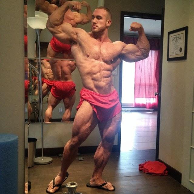 Pro bodybuilder nathalie falk in the gym - 1 part 8