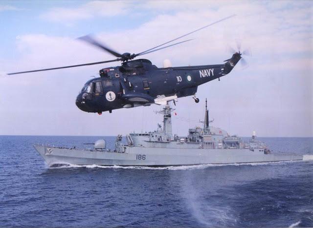 Resultado de imagen de Pak Navy dispara con éxito misiles anti-buque desde helicóptero