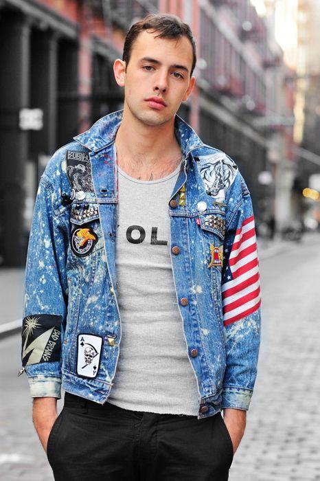 Jaqueta Masculina com Patches, aplicaçoes e bottons.