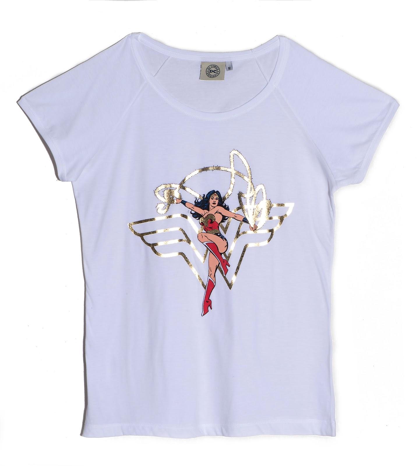 9444c1f630 Glamour e Felicidade  Moda  Riachuelo sugere camisetas da Mulher-Maravilha  para o Carnaval