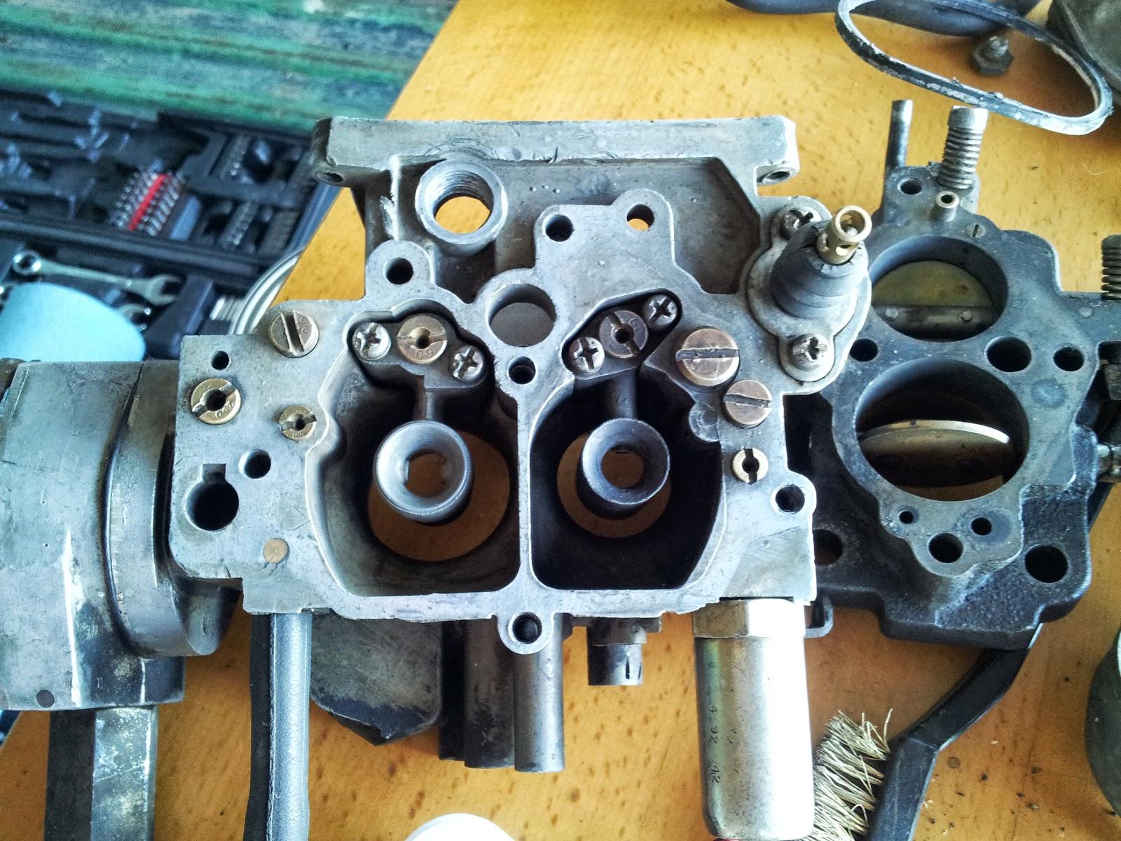 Random Hobbies: Disassembling of a Hitachi carburetor for a