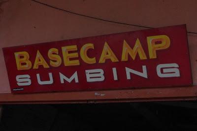 Plang sambutan basecamp Sumbing via Garung