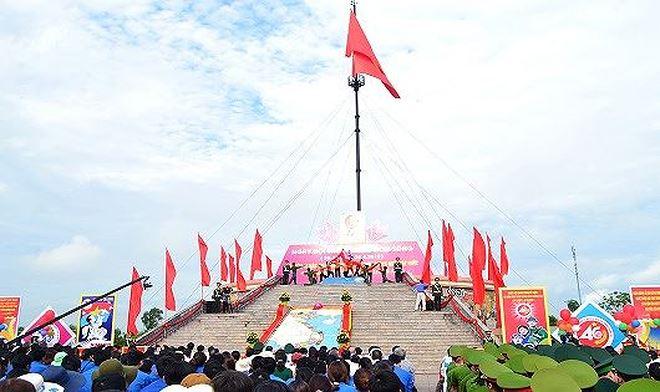 Tại vĩ tuyến 17, tỉnh Quảng Tri tổ chức ngày hội 'Thống nhất non sông' 01