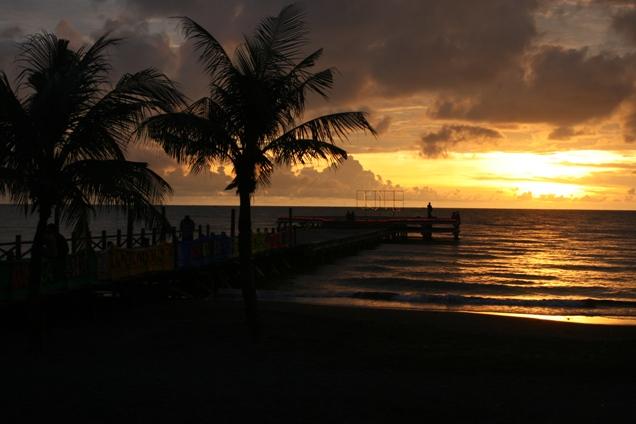 Wisata Pantai Losari Makassar