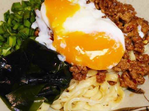 【寿がきや(Sugakiya Foods)】新名古屋名物 台湾まぜそば 全粒粉配合 極太麺!