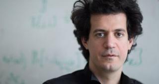 Κωνσταντίνος Δασκαλάκης: Οι Ελληνες με έμαθαν επειδή έχασε ο Σάκης Ρουβάς στη Eurovision -Και εξηγεί πώς